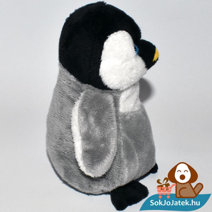 Skippy, a plüss pingvin oldalról