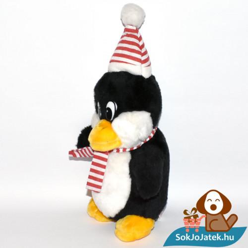 Windel csíkos sálas plüss pingvin balról