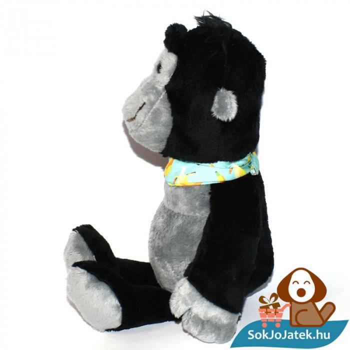 Kinder plüss majom banános kendővel, oldalról