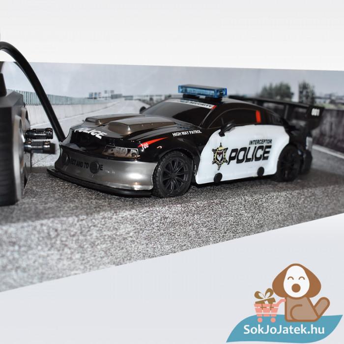 Tachan RC Távirányítós rendőr versenyautó 1:24 (CPA Toys), közelről