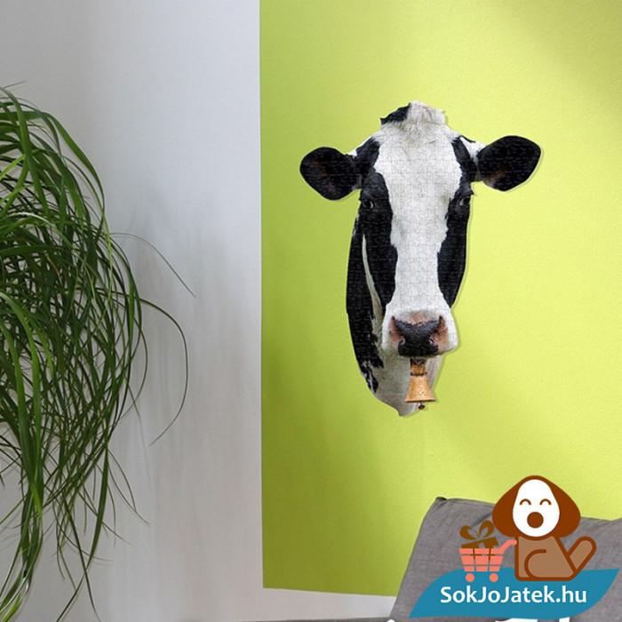 300 db élethű tehenes forma kirakó junior - Wow Toys kirakott kép a falra rögzítve