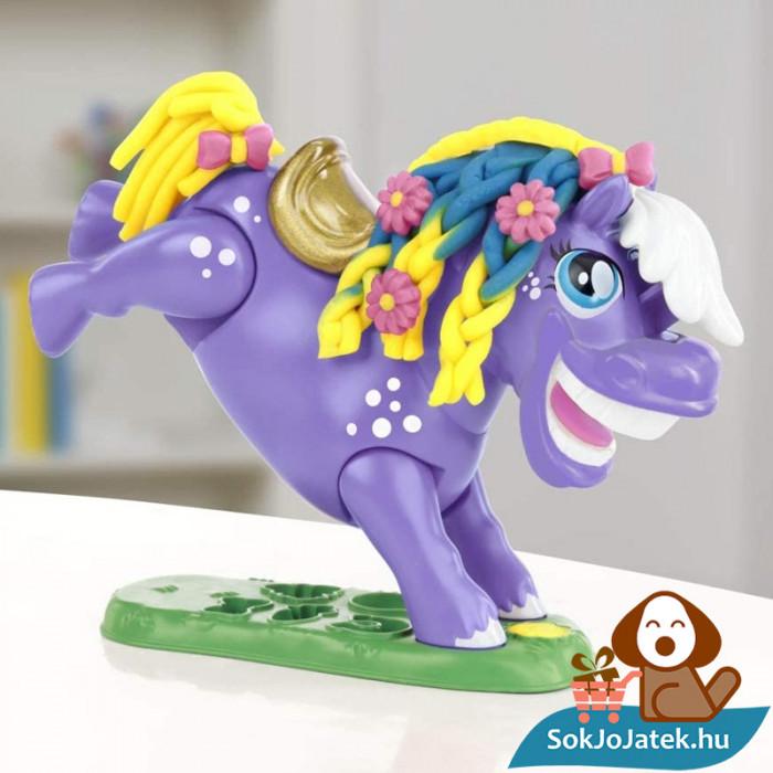 Hasbro, Play-Doh Play-Doh Animal Crew - Naybelle, a rodeó póni gyurmaszett 2 lábon
