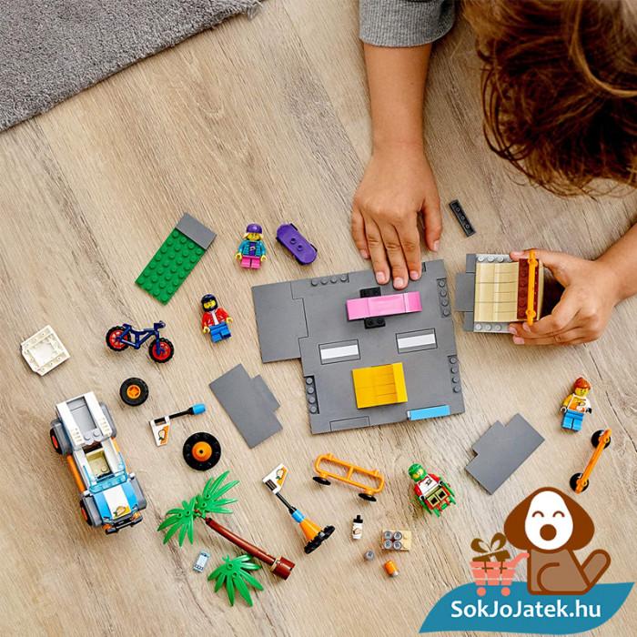 195 darabos Lego City - Gördeszkapálya építés közben