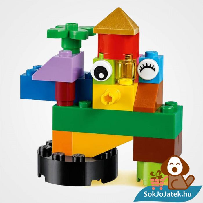300 darabos Lego Classic (11002) alap kocka készlet összeépített részlete