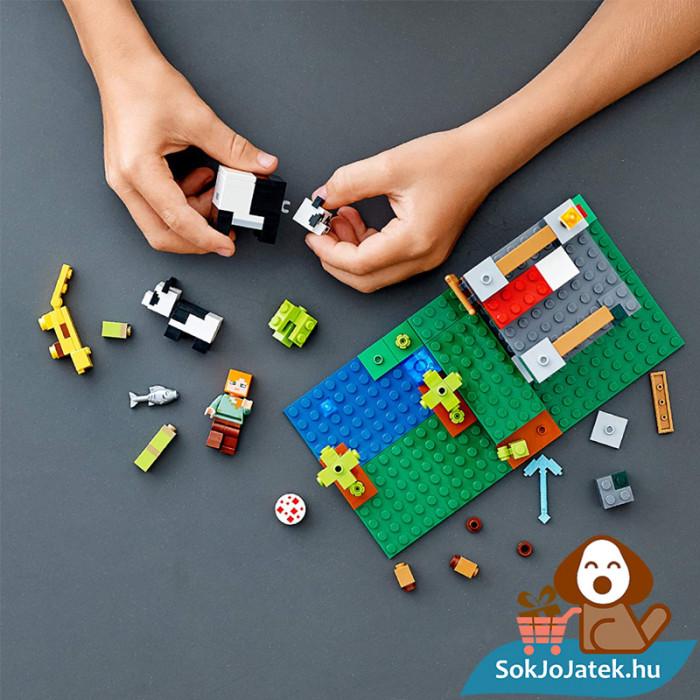 204 darabos Lego Minecraft - A Pandabölcsöde összeépítés közben