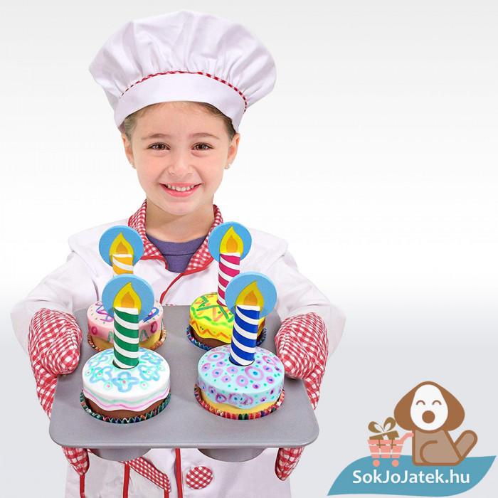 Melissa & Doug Sütés-főzés, Cupcake játék szett felszolgálva